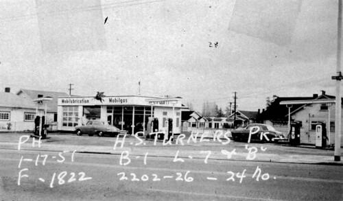Montlake Mobil Gas station, 1951