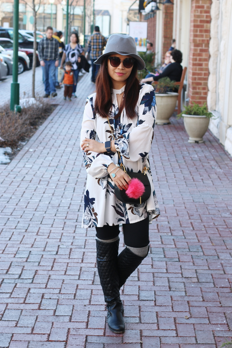 Spring-look-floral-dress-hat-outfit-quilted-boots-2