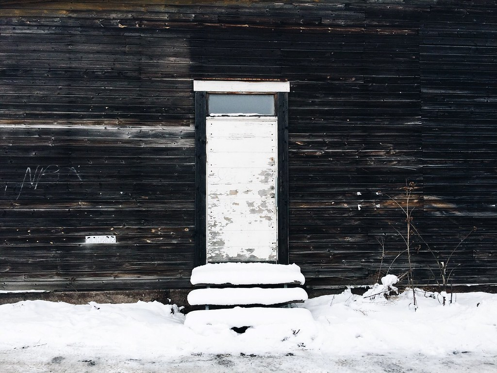 wood door winter