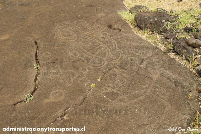 Papa Vaka (Petroglifo Anzuelo) - Isla de Pascua