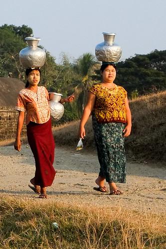 The water gatherers. Mrauk U