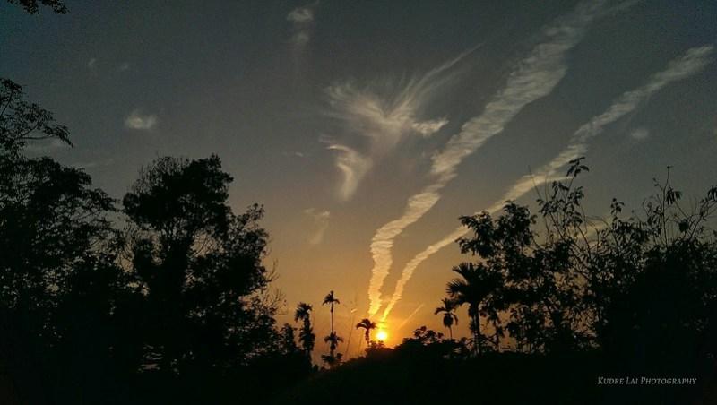 戲劇般精彩的夕陽(maguc sunset)