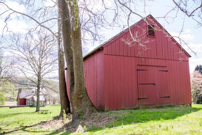 brandywine-battlefield-revolutionary-war-chadds-ford-pa-red-barn-back-doors
