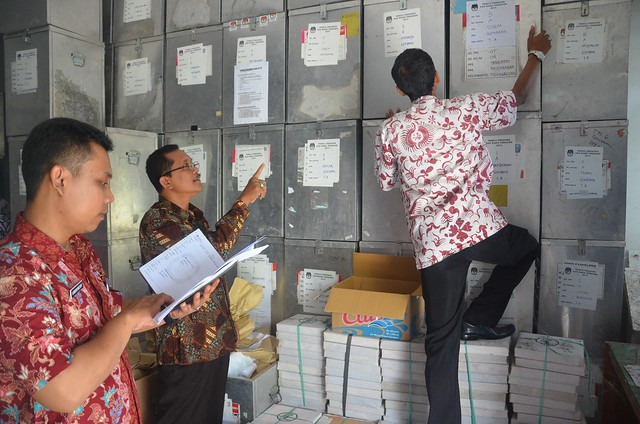 Kegiatan Stock Opname Logistik Pemilu di KPU Kab.Tulungagung(4/4).