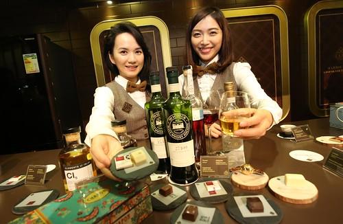 Chocolate Ambassadors Jasmine and Queenie