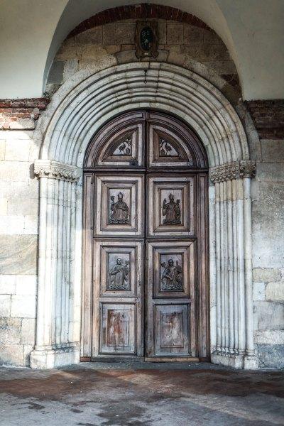 Portone della chiesa dell'Abbazia di Chiaravalle