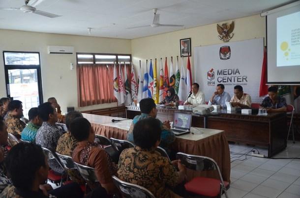 Kabag SDM, Organisasi dan Data Akhmad Sudjono Ketika Memberikan Pengarahan(14/4)