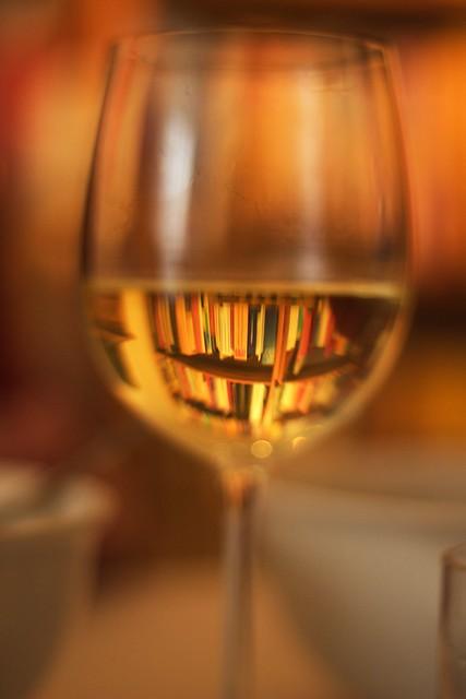 Bücher im Wein