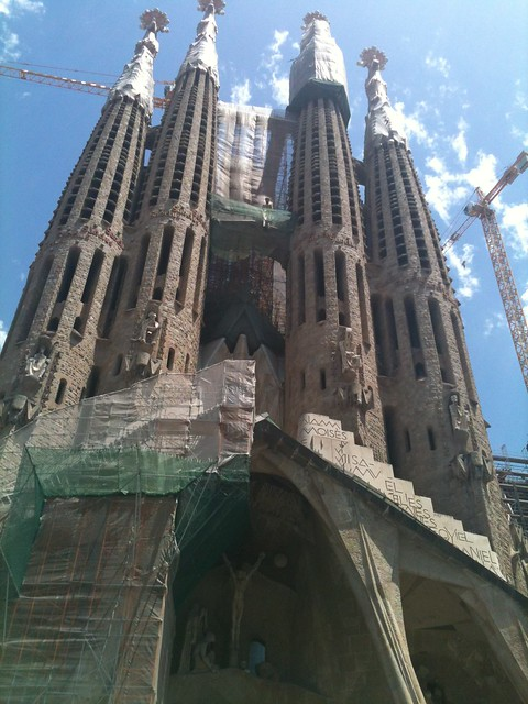 La Sagrada familia is one of the many attractions in Barcelona for kids and adults alike. This is how it appeared to us, partially covered by the scaffolding of its restoration works