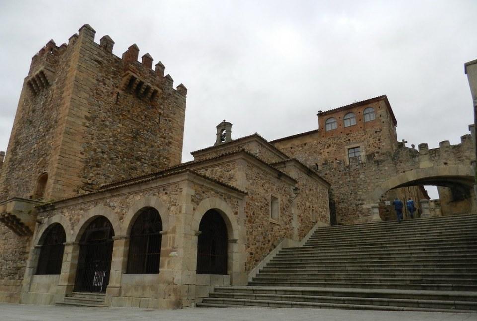 Ermita de la Paz Torre Bujaco Arco de la Estrella Plaza Mayor Caceres