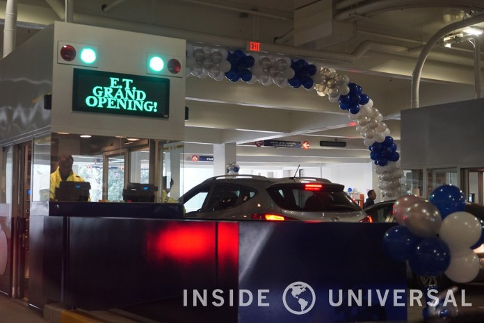 Universal Studios Hollywood opens new E.T. Parking Structure with nearly 5,000 spaces