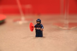 LEGO Marvel 76051 Super Hero Airport Battle 10