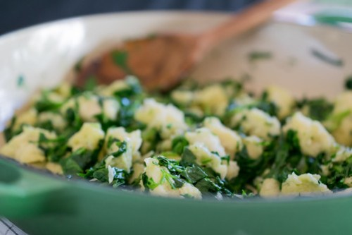 sautéed garlic, spinach and bread mixture