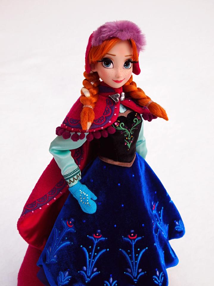 Frozen Anna nukke