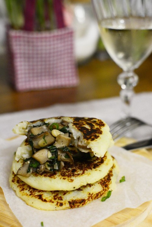 Potato-pancakes-mushroom-spinach-nuts-filling