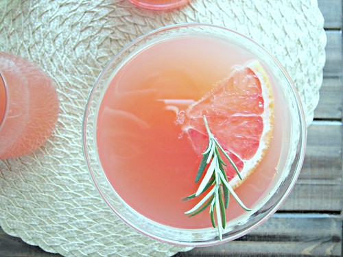 Grapefruit Rosemary Mocktail CloseUp