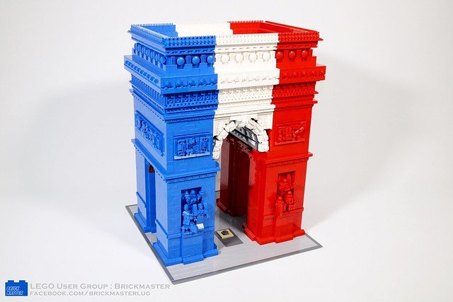 Amazing LEGO Arc de Triomphe in French tricolor   The Brothers Brick     Triumphal Arch in Paris