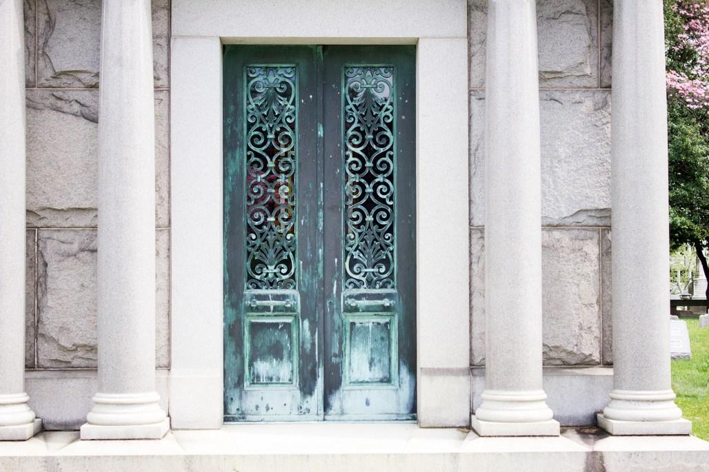 wilmington-brandywine-historical-cemetary-mausoleum-decorative-scroll-doors