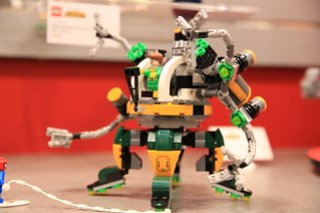 LEGO Marvel 76058 Doc Ock's Tentacle Trap 4
