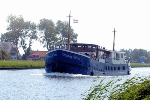 bike and barge tours - sailing home