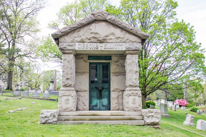 wilmington-brandywine-historical-cemetary-mausoleum-stained-glass