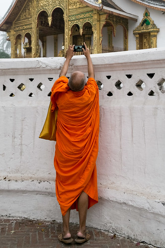 Craning monk