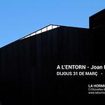 · A L'ENTORN ·