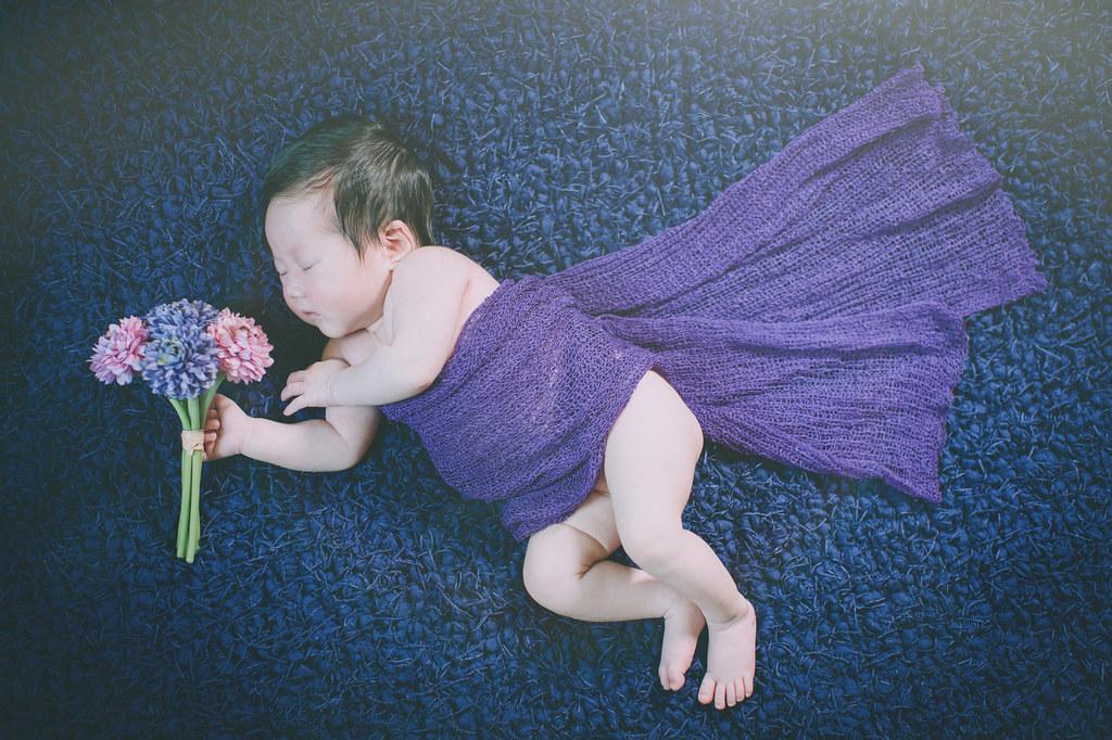 依庭新生兒寫真