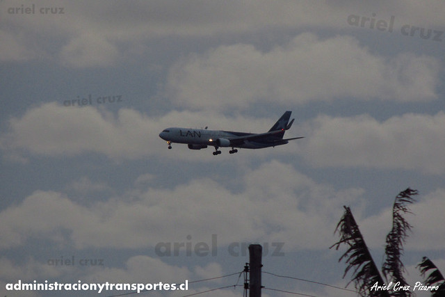 LAN Airlines - Isla de Pascua - Boeing 787 Dreamliner