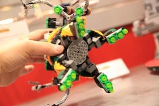 LEGO Marvel 76058 Doc Ock's Tentacle Trap 5