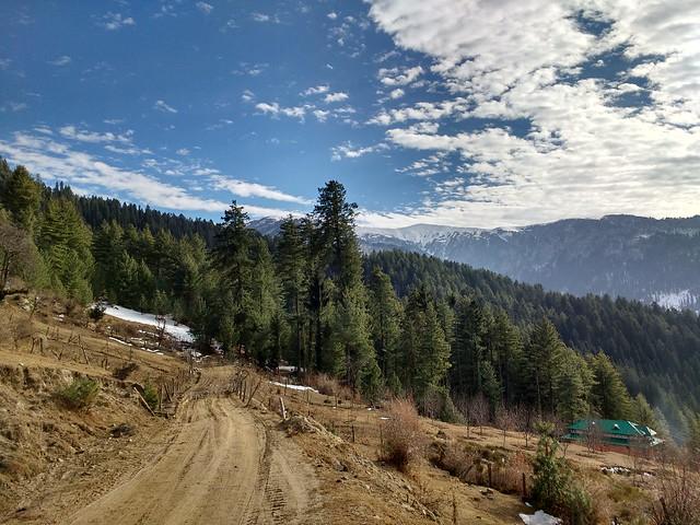 Somewhere between Larot and Chanshal pass