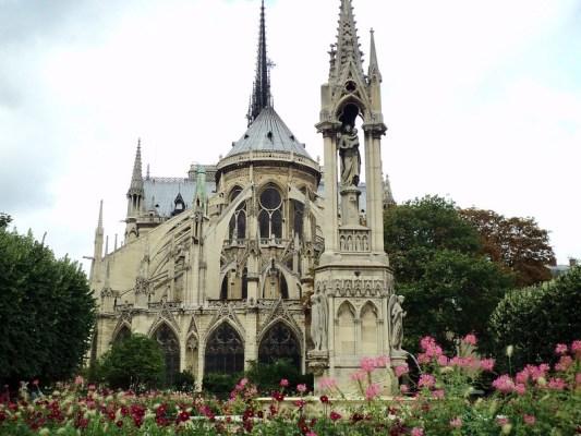 Paris Notre Dame - the tea break project solo female travel blog