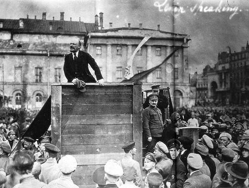 267676 Выступление Ленина перед красноармейцами. (Без ретуши)