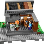 LEGO Minecraft 21128 The Village 08