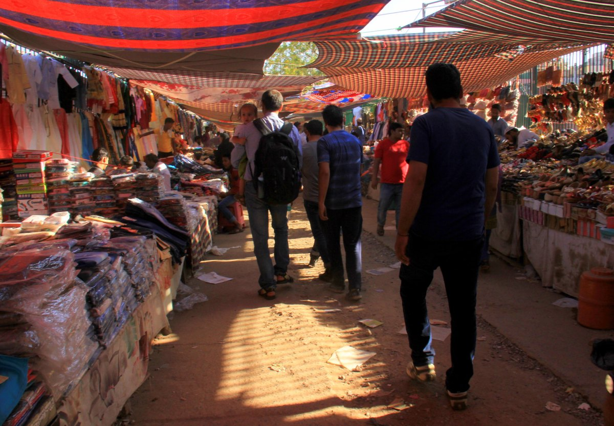 Jama Masjid is located in the middle of busy chaotic Chawri Bazaar in Delhi