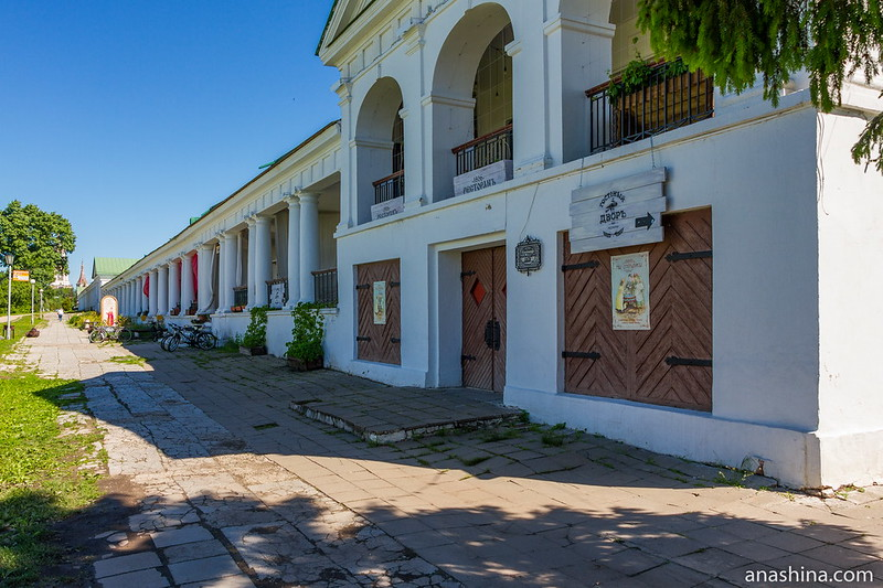 Торговые ряды, западный фасад, Суздаль
