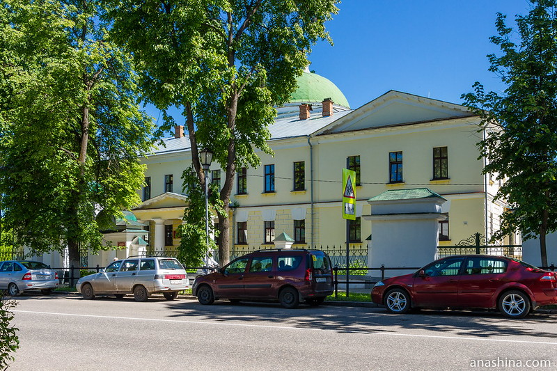 Здание бывшей богадельни, Суздаль