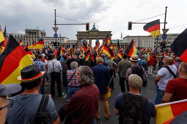AfD Großdemo Berlin und Gegenprotest