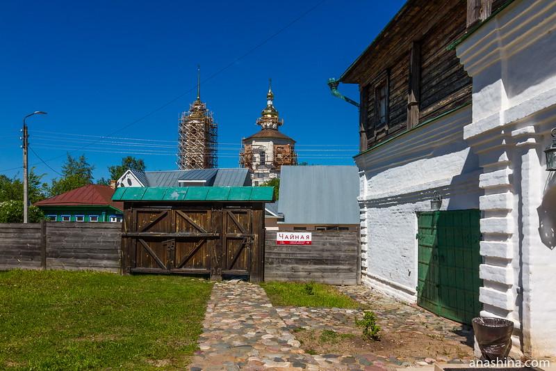 Старинные ворота дома купца Агапова