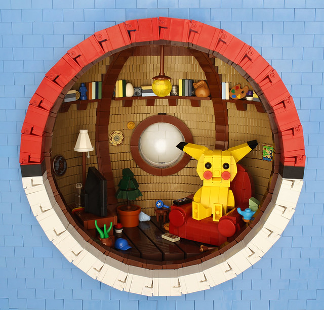 LEGO Pikachu Pokemon Pokeball