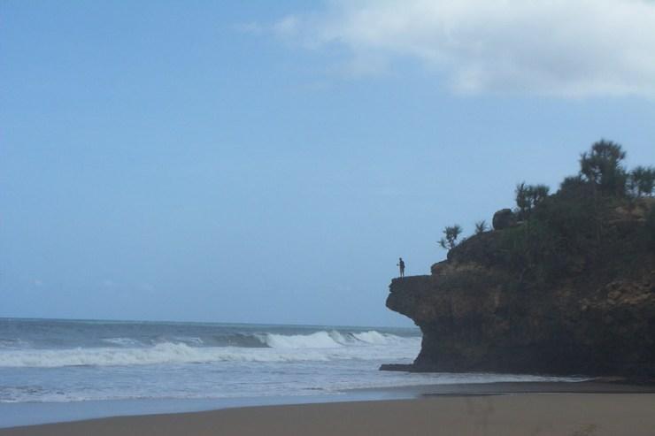Tebing pantai Wonogoro yang saya maksud