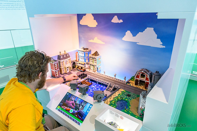 LEGO House 37