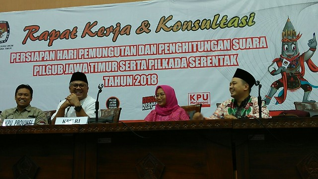 Suasana Raker dan Konsultasi antara KPU Provinsi dan KPU Kabupaten/Kota Se Jatim di Gedung Pemerintahan Kabupaten Blitar (11/6)