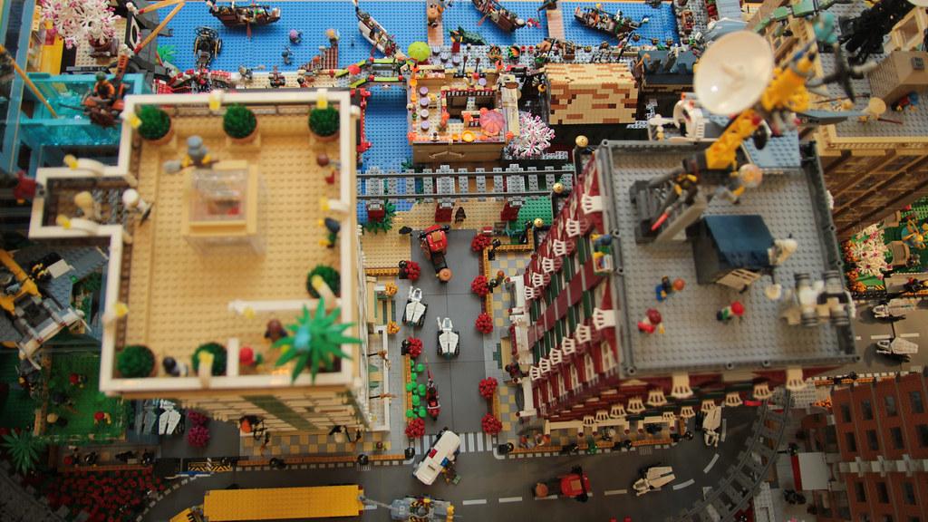 Ninjago Diorama by Felix Mezei - rooftops