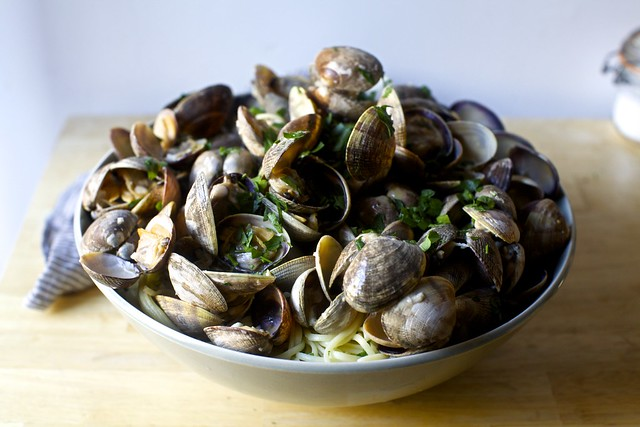 linguine with a tremendous amount of clams