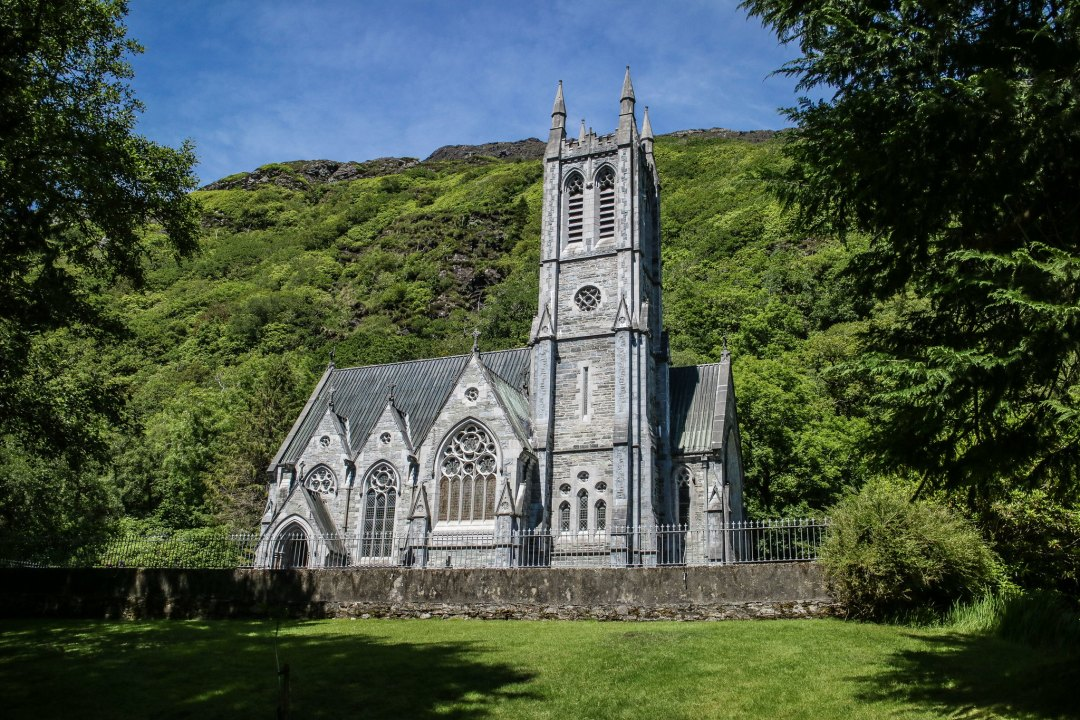 Kylemore Abbey cattedrale gotica