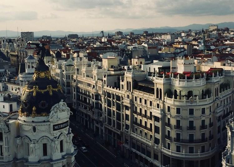 Gran Vía y Edificio Metrópolis