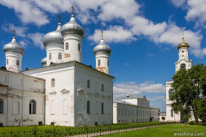 Всехсвятский храм, Спасский собор и Архимандритский корпус, Юрьев монастырь, Новгород Великий
