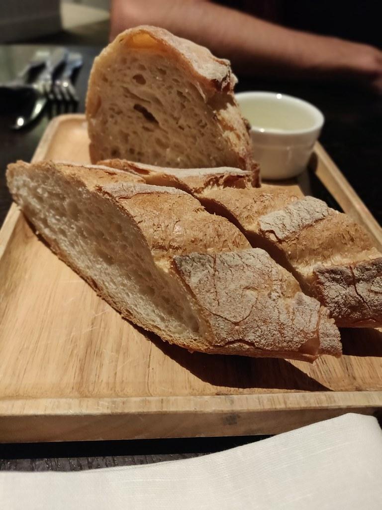 simplylife causeway bay hong kong bread