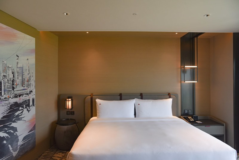 premier harbour view room at swissotel the stamford